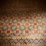 Оригиналната мозайка запазена на входа